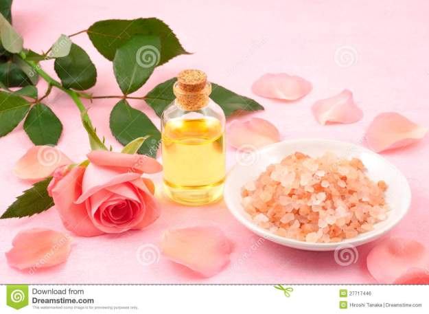 essential-oil-salt-27717446